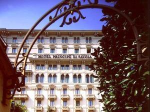 FullScale_set06_HotelFacciata_5ba27