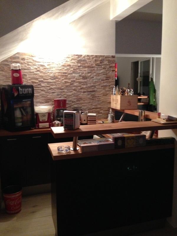 Angolo bar ikea offerte e risparmia su ondausu - Angolo bar per casa ...